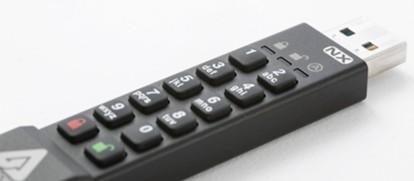 PCレスでデータ暗号化!セキュアUSBメモリー「Aegis Secure Key 3NX」を試す【その1】初期設定・基本操作の紹介