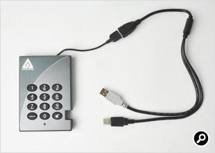 USB二股ケーブルを装着したイメージ