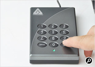 点滅している状態で新しいAdmin Modeのパスワード(6~16けた)を入力