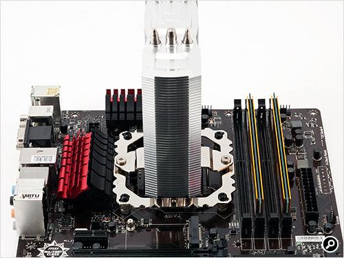 >NiC L32をマザーボードに固定したところ