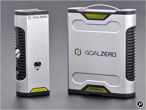 左がACインバーターのSherpa Inverter AC Inverter V2