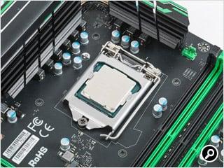 CPUの取り付けが完了