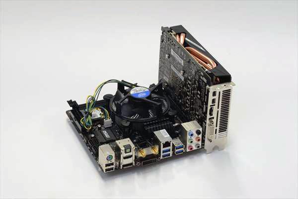 Mini-ITXマザーの「MSI 型番」に取り付けるとこんな感じ。