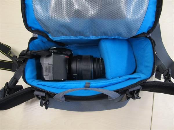 Nikon D5100+AF-S DX NIKKOR 18-55mm f/3.5-5.6G VRは入る