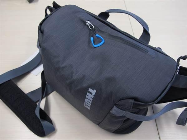 TAMRON SP 70-200mm F/2.8 Di VC USD (Model A009) を一緒に入れてバッグは閉まるけどパンパンだね