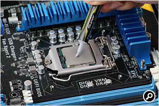 CPUにグリスを塗る
