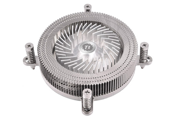 Thermaltake Engine 27 製品画像