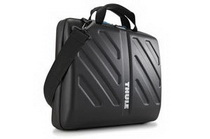 THULE EVA Attache for 13インチMac Book Pro
