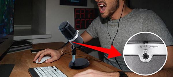 録音しながら音声のモニタリングが可能