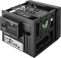 長さ210mmまでの2スロットタイプのビデオカードを搭載可能