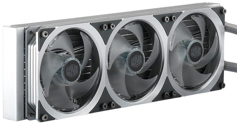 冷却効率を高めるアルミ製ラジエータを搭載