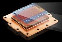 精巧なマイクロチャンネル採用の水冷ヘッド