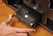 HDDとSSDをそれぞれ2台搭載可能