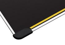 四隅にマウスパッドの滑りを防止するラバーグリップを採用