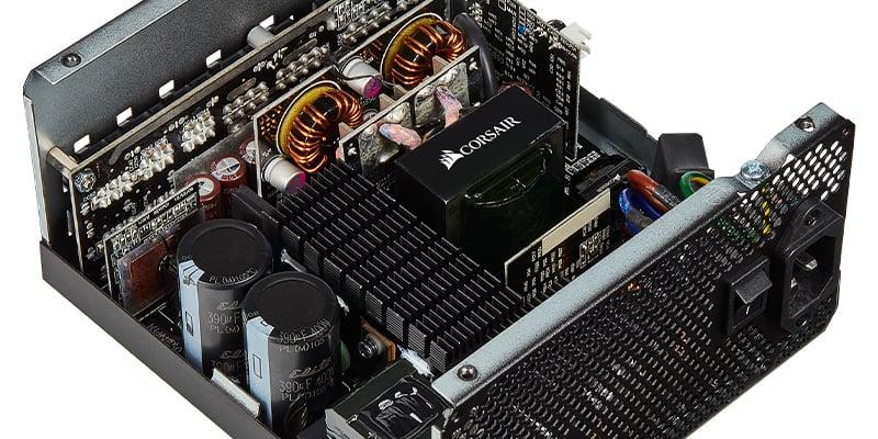 信頼性の高い105℃コンデンサを搭載