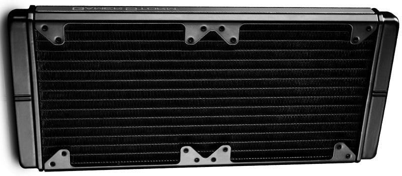 放熱効率に優れた280mmサイズのラジエーター