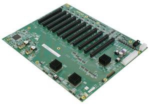 PCのPCI-Expressスロットを最大8本まで拡張可能