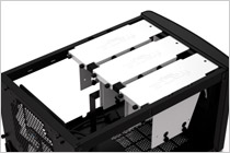 HDDを最大6台搭載可能なMini-ITXケース