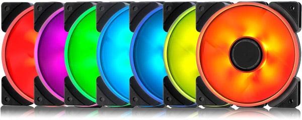 鮮やかなライティングを実現するアドレサブルRGB LEDを搭載