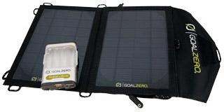 ソーラーパネルとポータブル充電器のセットモデル