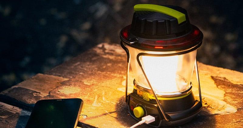 温かみのある温白色LEDと細かな輝度調節に対応