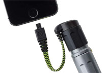 Micro USB充電ケーブルを付属