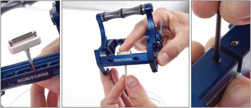 充電プラグをスタンド本体へ組み込み可能