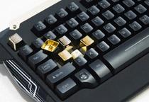 別売のメタルキーキャップと交換可能
