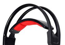 フィット感に優れた無段階調整式のヘッドバンドを採用