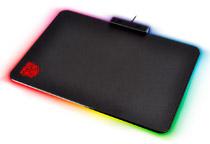 RGB対応のLEDイルミネーション搭載