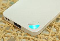 LEDライトによる視認性抜群のバッテリー残量