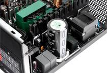 高い性能と信頼性を誇る日本製高品質コンデンサ搭載