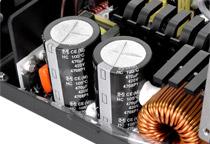 高い性能と信頼性を誇る日本製105℃コンデンサ搭載