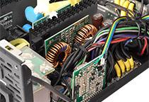 優れた電圧制御により安定した動作を実現