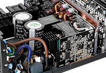信頼性の高い日本メーカー製105℃コンデンサ採用
