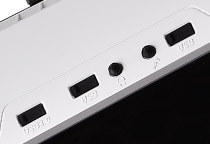 I/Oポート部に端子カバーを装備