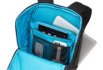 15インチMacBookやタブレットの収納に対応