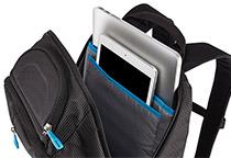 15インチ MacBook ProとiPadを収納可能
