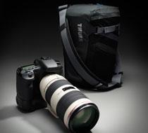 デジタル一眼レフ・カメラの収納に対応