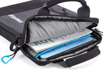 書類や雑誌も収納できるiPad用アタッシュケース
