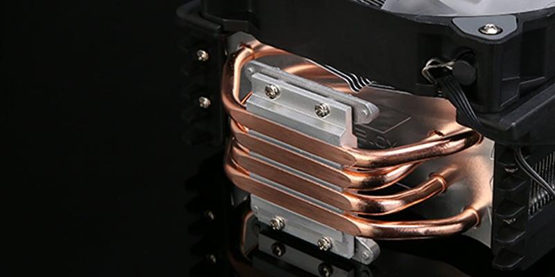 放熱効率を高める銅製ヒートパイプ