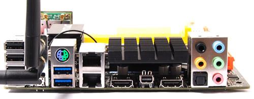 ディスプレイ出力はDual HDMI、DisplayPort