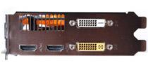 DVI&HDMIで4画面出力が可能